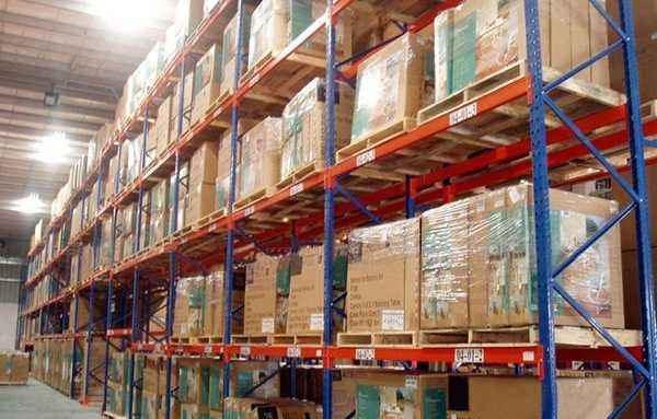 托盘货架适合存放什么?托盘货架在摆放货物时应注意哪些事项?