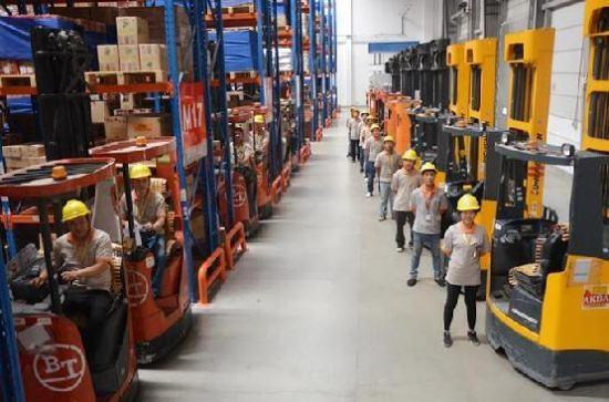 如何进行有效的仓储员工培训?关键做好这三件事!